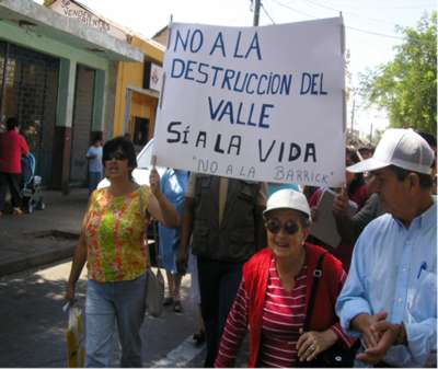 Residents of Vallenar protesting