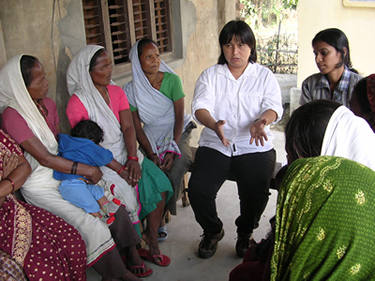 Meche Lu meets with Biratnagar women